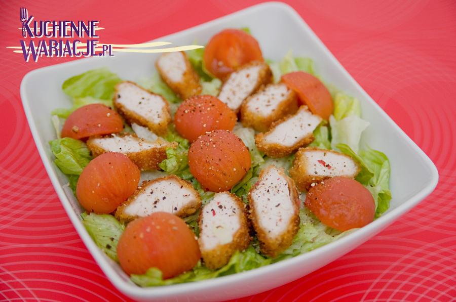 Sałatka z indykiem i pomidorkami