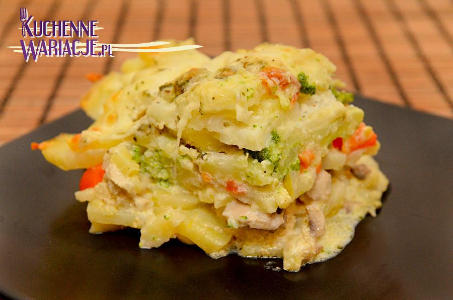 Zapiekanka ziemniaczano-warzywna z kurczakiem