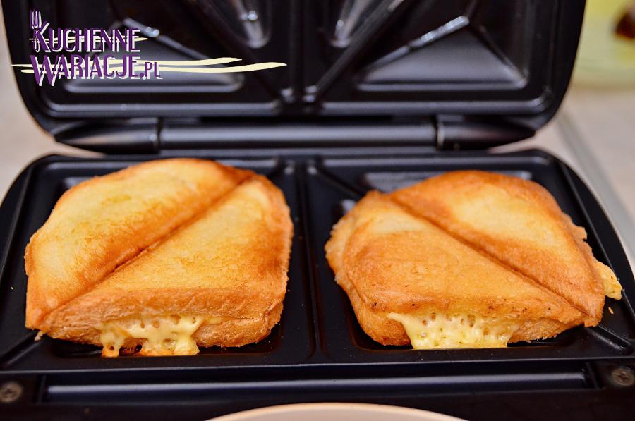 Kanapkowe tosty z szynką i serem