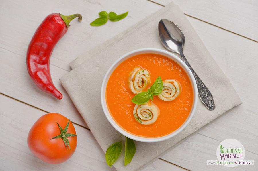 Krem pomidorowy z makaronem naleśnikowym