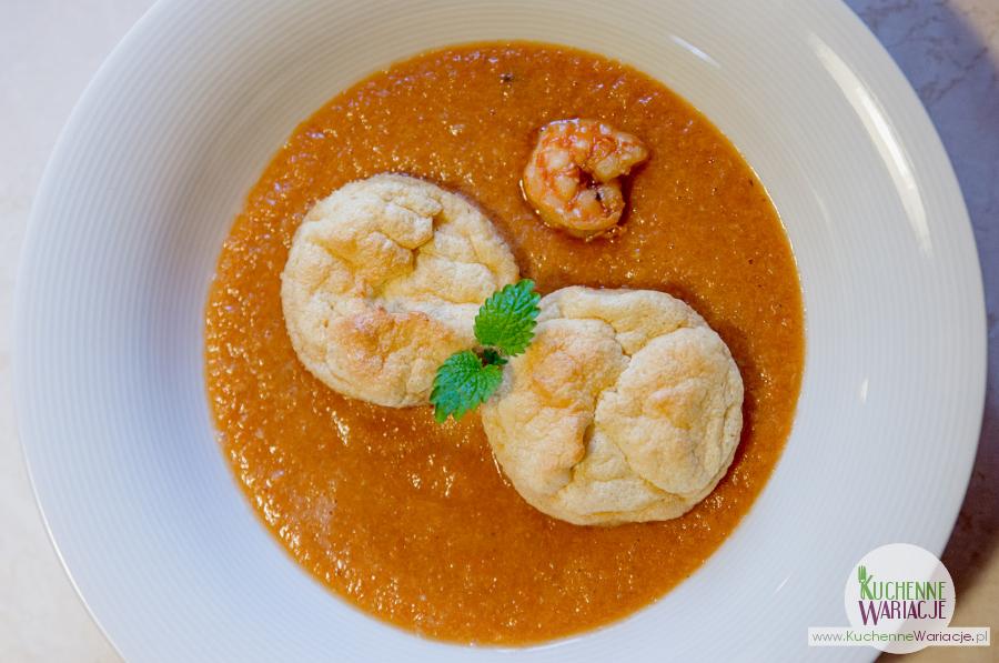 Zupa gambas z sufletem czosnkowym