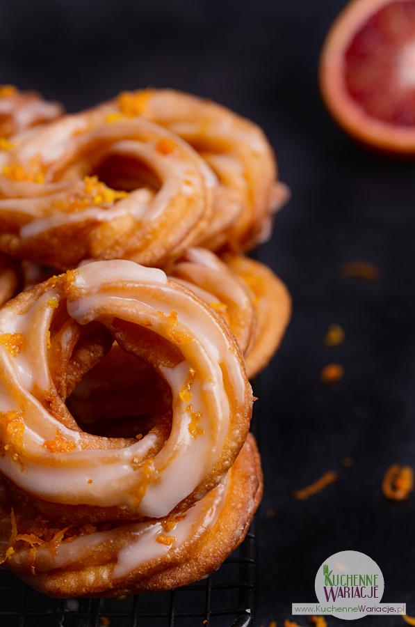 Pomarańczowe pączki hiszpańskie na tłusty czwartek