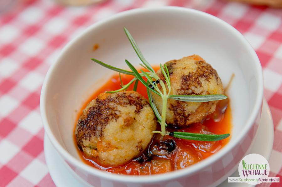 Cosa Nostra - Arancini z sosem pomidorowym i czosnkowym.