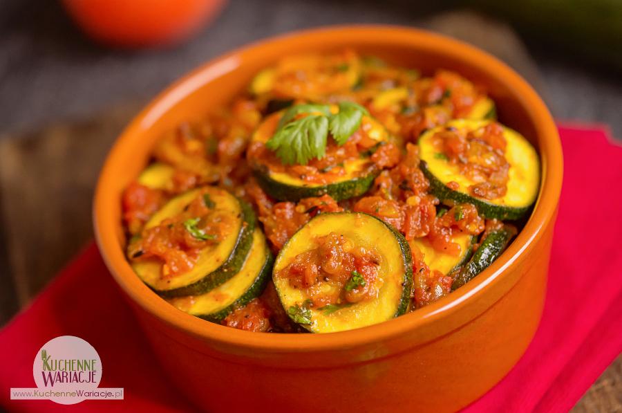 cukinia-i-pomidory