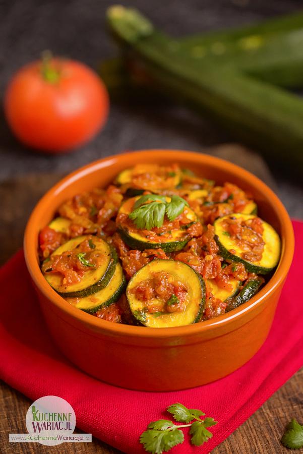 cukinia-z-pomidorami