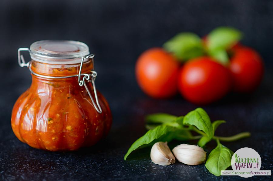 Domowe przetwory: sos pomidorowy