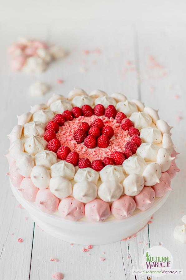 Tort śmietankowo-malinowy