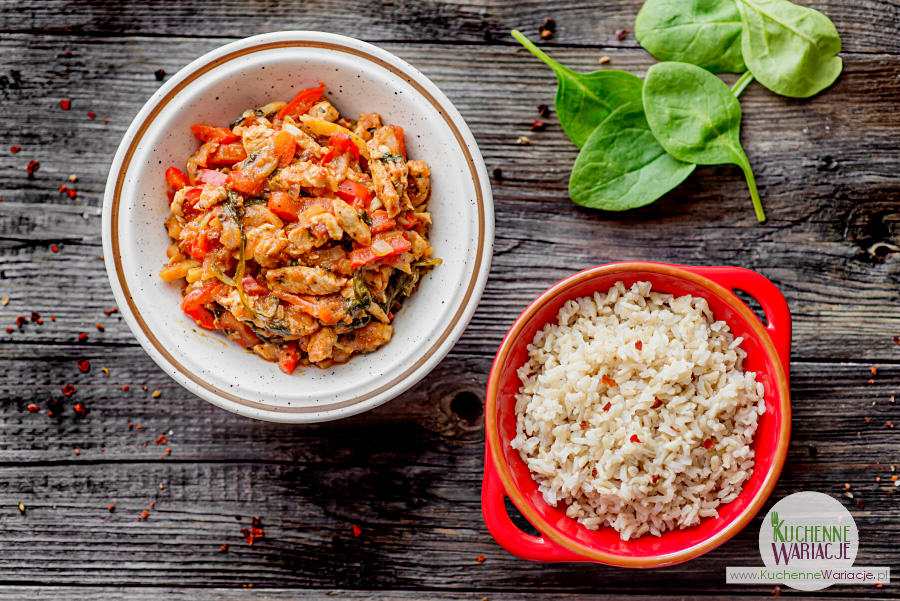 Kreolski kurczak ze szpinakiem i ryżem