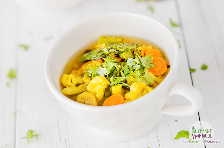 zupa kalafiorowa ze szparagami