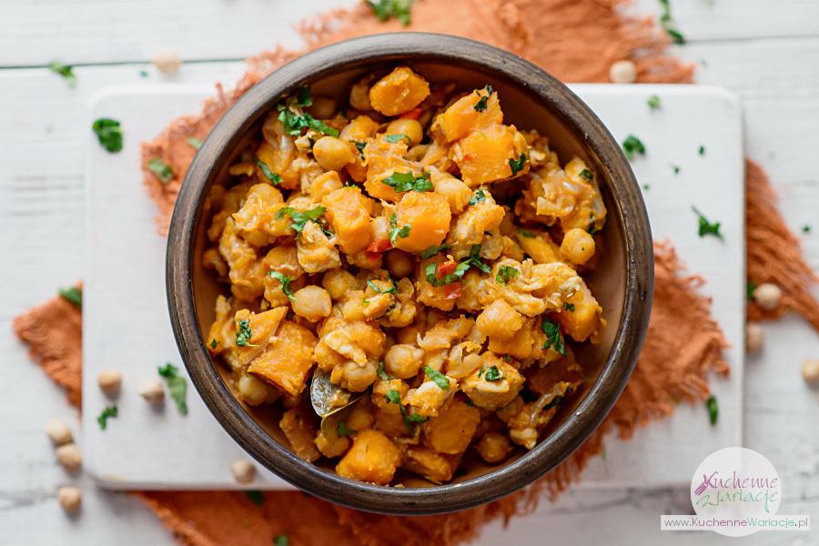 Curry z kurczaka z batatami i ciecierzycą