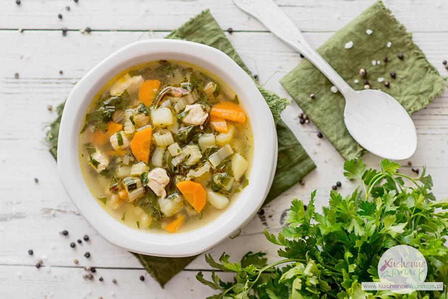 Zupa z botwinki z kurczakiem i ziemniakami - Kuchenne Wariacje