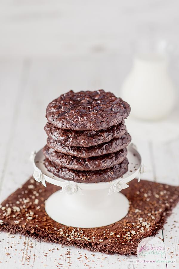 Ciasteczka czekoladowe z orzechami - Kuchenne Wariacje