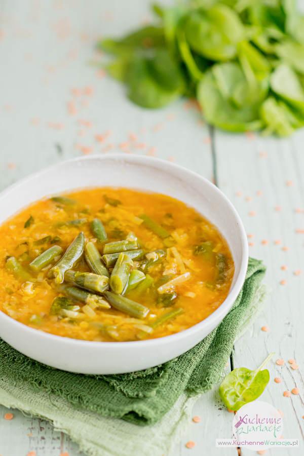 Zupa z czerwonej soczewicy ze szpinakiem i fasolką szparagową - Kuchenne Wariacje, Sezonowo Bezglutenowo