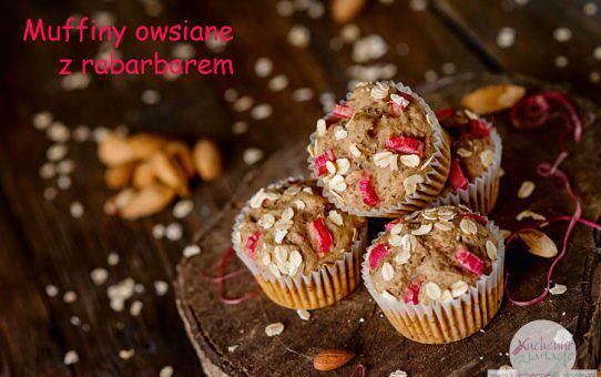 Bezglutenowe muffiny owsiane z rabarbarem