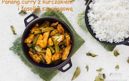 Panang curry z kurczakiem i zieloną fasolką szparagową