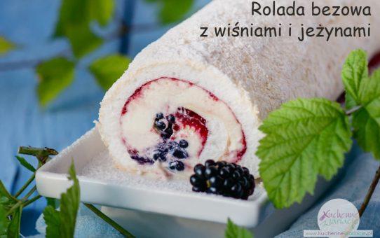 Rolada bezowa z wiśniami i jeżynami