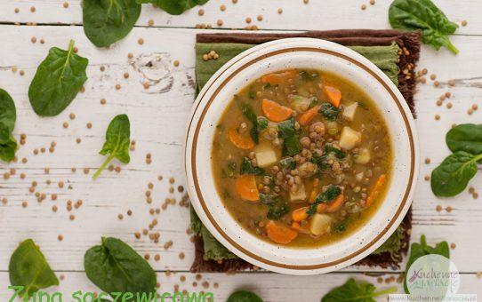 Zupa soczewicowa z ziemniakami, marchewką i szpinakiem
