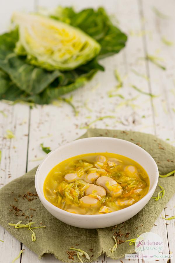 Zupa z młodej kapusty z fasolą i kurczakiem - Kuchenne Wariacje